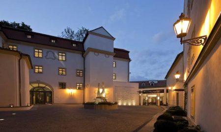 STORSTADSGUIDEN: PRAGS HOTELL