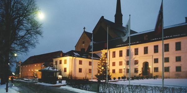 FIRA JULEN PÅ HOTELL: VADSTENA KLOSTERHOTELL